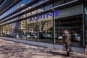 TARGETTI met en lumière le nouveau showroom Alpine à Boulogne-Billancourt