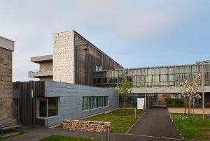Actu chantiers RHEINZINK : l'hôpital St James est optimisé grâce à l'expertise des travaux